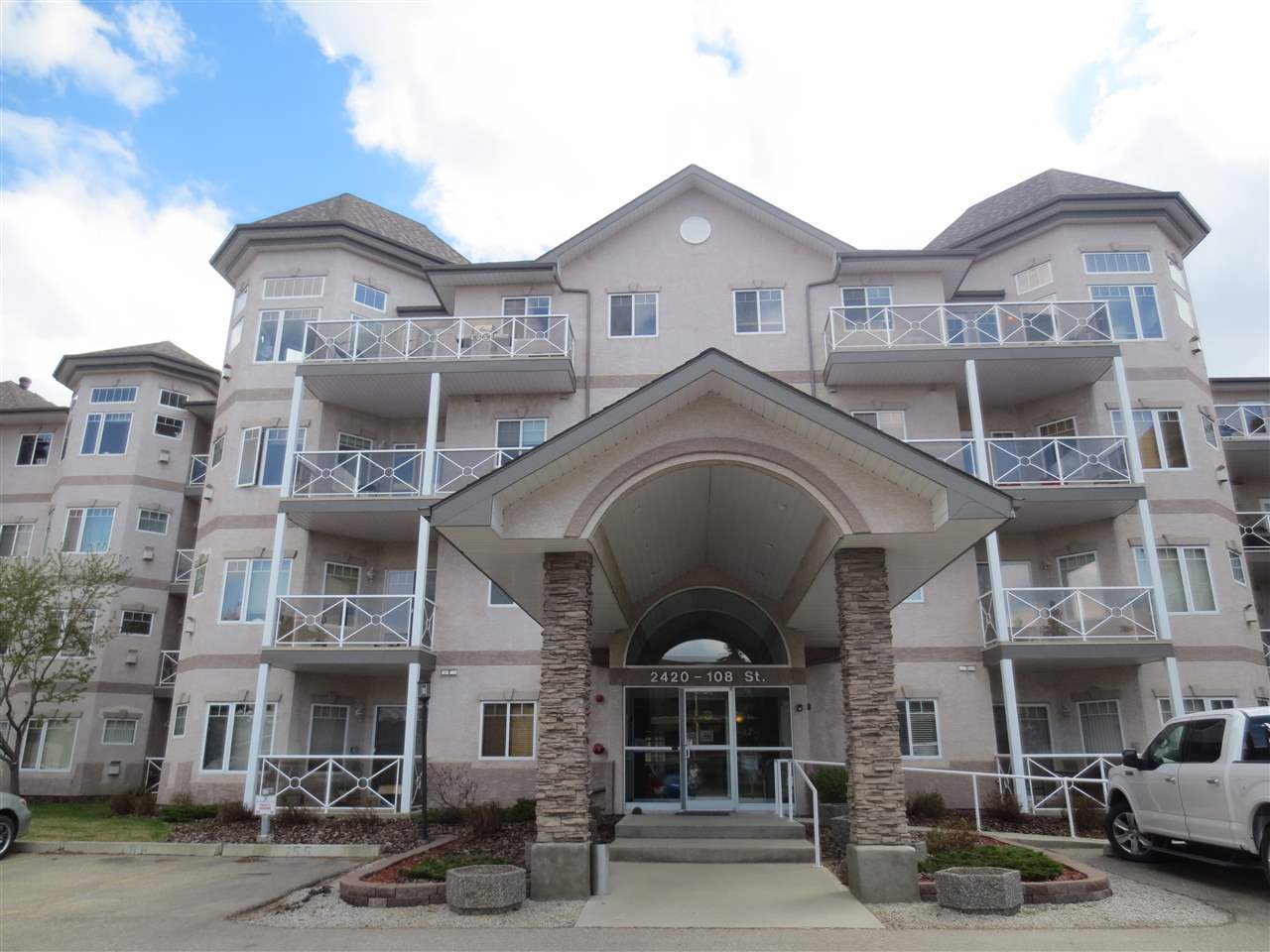 Main Photo: 119 2420 108 Street in Edmonton: Zone 16 Condo for sale : MLS(r) # E4064534