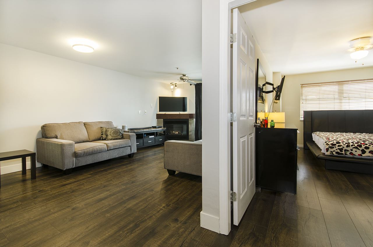 Main Photo: 201 3319 KINGSWAY in Vancouver: Collingwood VE Condo for sale (Vancouver East)  : MLS(r) # R2168685