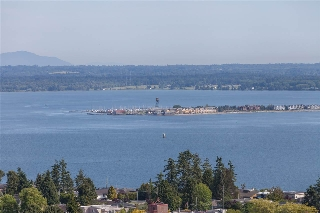 "Main Photo: 1301 1473 JOHNSTON Road: White Rock Condo for sale in ""Miramar Towers"" (South Surrey White Rock)  : MLS(r) # R2174785"