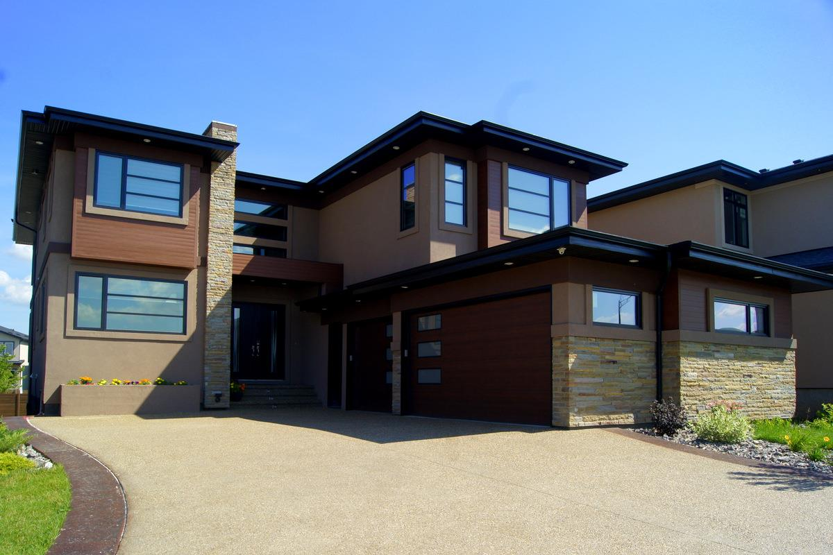 Main Photo: 925 WOOD Place in Edmonton: Zone 56 House for sale : MLS® # E4076997