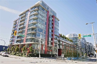 "Main Photo: 305 38 W 1ST Avenue in Vancouver: False Creek Condo for sale in ""The One"" (Vancouver West)  : MLS® # R2205317"