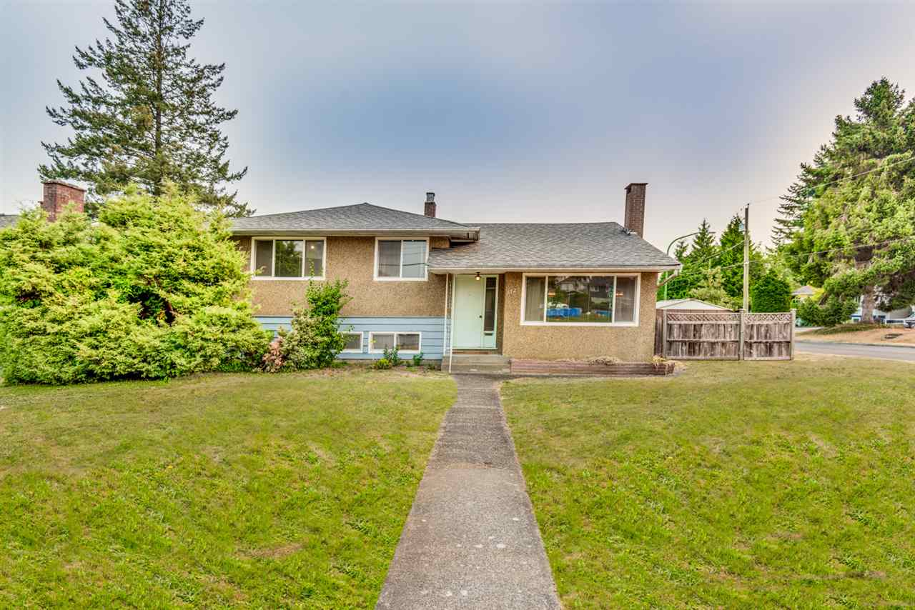 Main Photo: 6720 GORDON Avenue in Burnaby: Highgate House for sale (Burnaby South)  : MLS® # R2206845