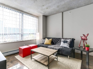 "Main Photo: 905 STATION Street in Vancouver: Mount Pleasant VE Condo for sale in ""LEFT BANK"" (Vancouver East)  : MLS® # R2207266"