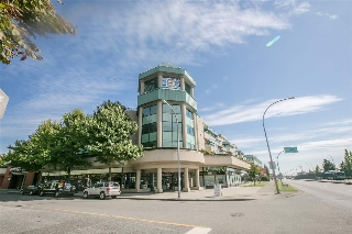 "Main Photo: A419 2099 LOUGHEED Highway in Port Coquitlam: Glenwood PQ Condo for sale in ""SHAUGHNESSY SQUARE"" : MLS® # R2208195"