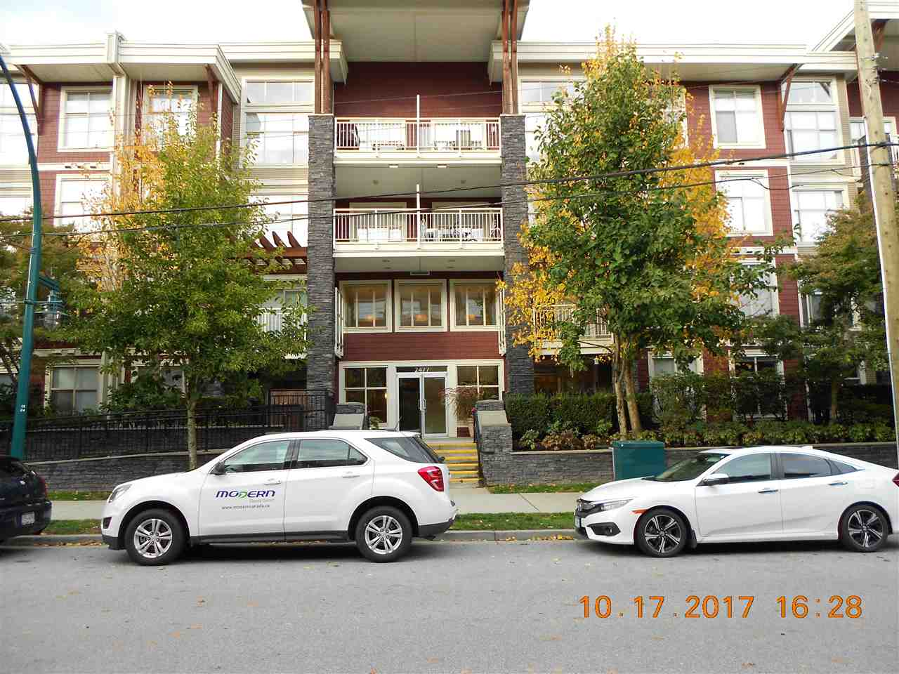 "Main Photo: 216 2477 KELLY Avenue in Port Coquitlam: Central Pt Coquitlam Condo for sale in ""SOUTH VERDE"" : MLS®# R2214976"