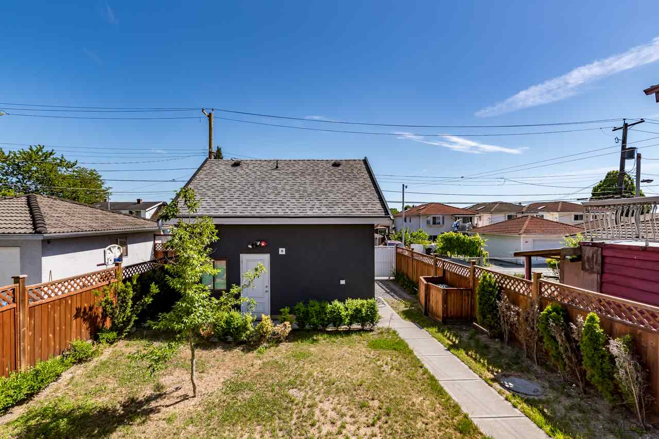 Photo 18: Photos: 2874 E 8TH AVENUE in Vancouver: Renfrew VE House for sale (Vancouver East)  : MLS® # R2200963