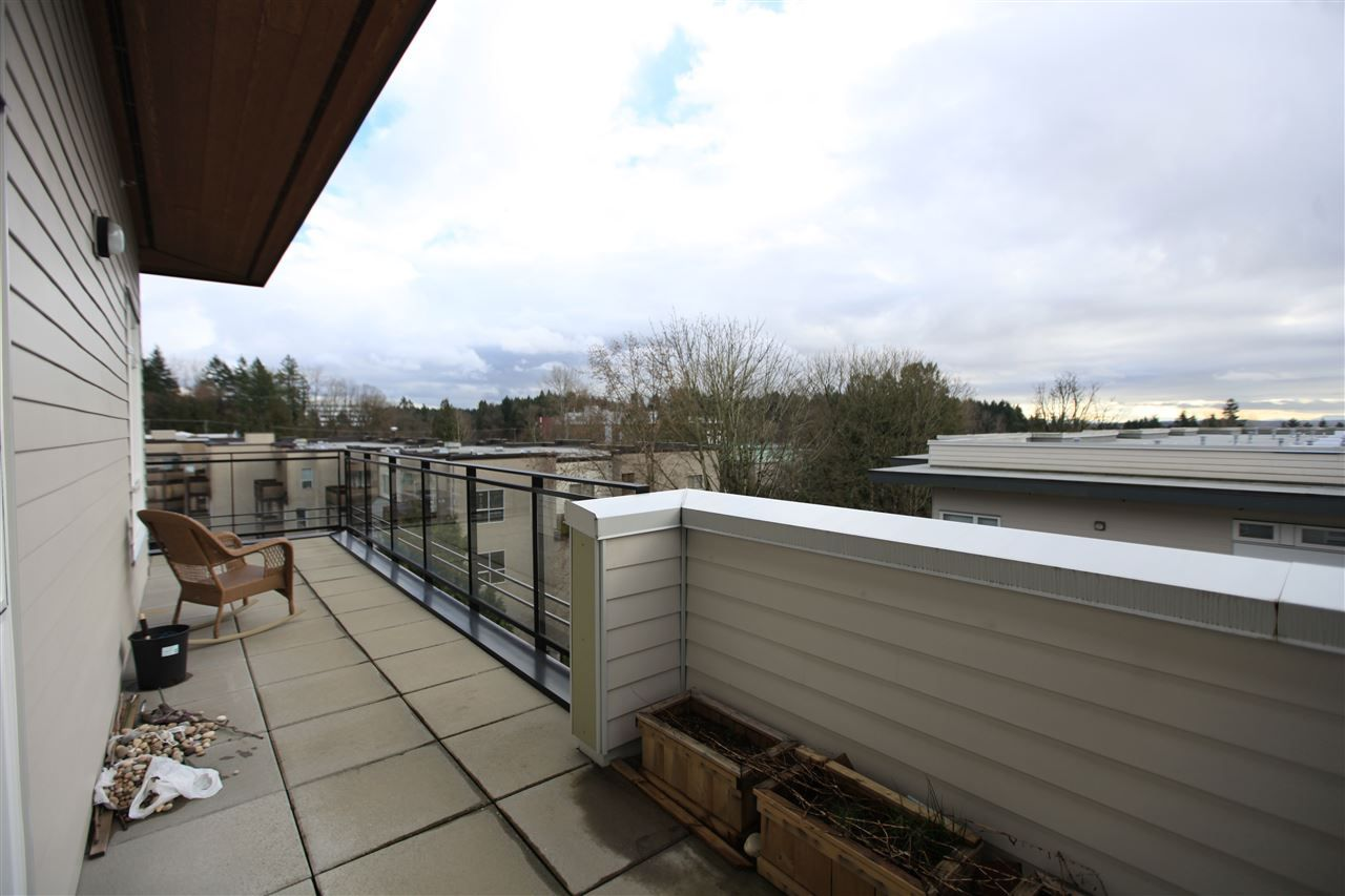"Photo 13: Photos: 404 13919 FRASER Highway in Surrey: Whalley Condo for sale in ""MAXX AT VERVE"" (North Surrey)  : MLS® # R2237698"