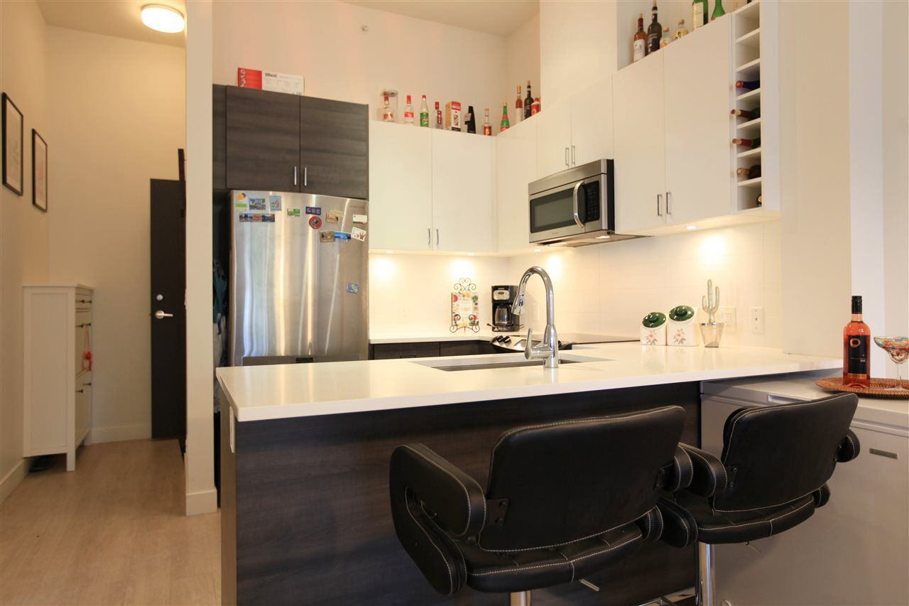 "Photo 8: Photos: 404 13919 FRASER Highway in Surrey: Whalley Condo for sale in ""MAXX AT VERVE"" (North Surrey)  : MLS® # R2237698"
