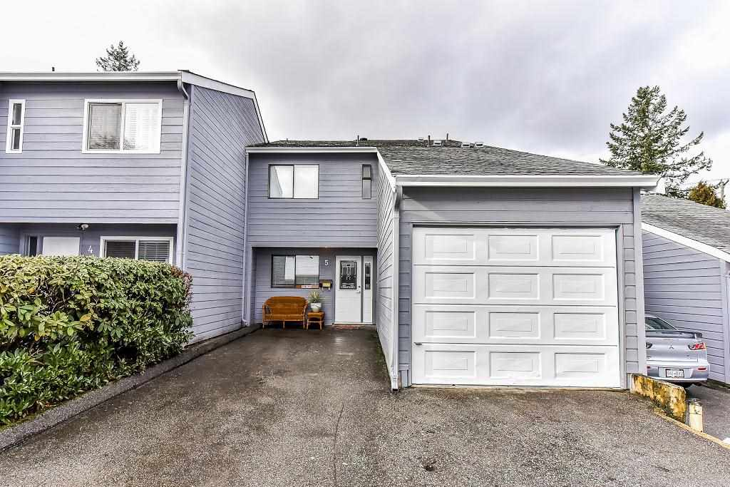 "Main Photo: 5 9958 149 Street in Surrey: Guildford Townhouse for sale in ""TALL TIMBERS"" (North Surrey)  : MLS® # R2242472"