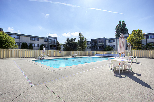 "Photo 17: 209 3411 SPRINGFIELD Drive in Richmond: Steveston North Condo for sale in ""BAYSIDE COURT"" : MLS(r) # V908427"