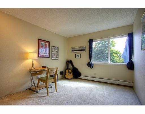 "Photo 13: 209 3411 SPRINGFIELD Drive in Richmond: Steveston North Condo for sale in ""BAYSIDE COURT"" : MLS(r) # V908427"