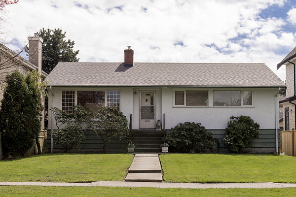 Main Photo: 2334 OLIVER Crescent in Vancouver: Arbutus House for sale (Vancouver West)  : MLS(r) # V1058341