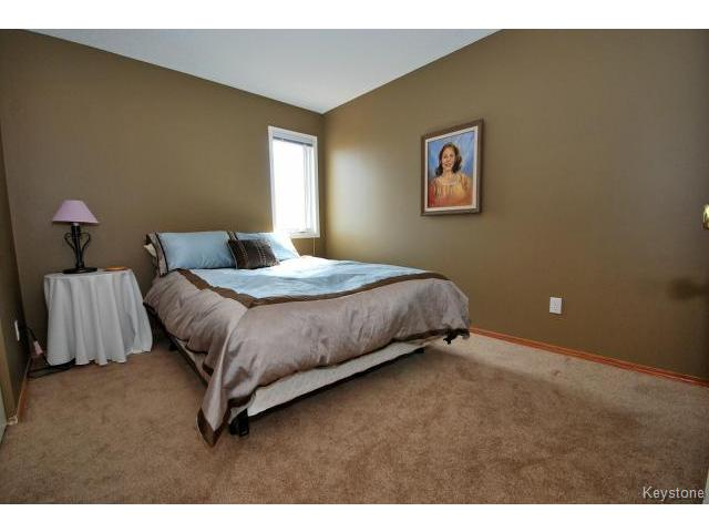 Photo 12: 149 Camirant Crescent in WINNIPEG: Windsor Park / Southdale / Island Lakes Residential for sale (South East Winnipeg)  : MLS(r) # 1409370