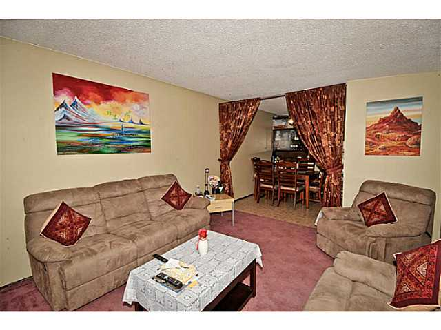 Photo 4: 5221 MARBANK Drive NE in CALGARY: Marlborough Residential Attached for sale (Calgary)  : MLS® # C3617329