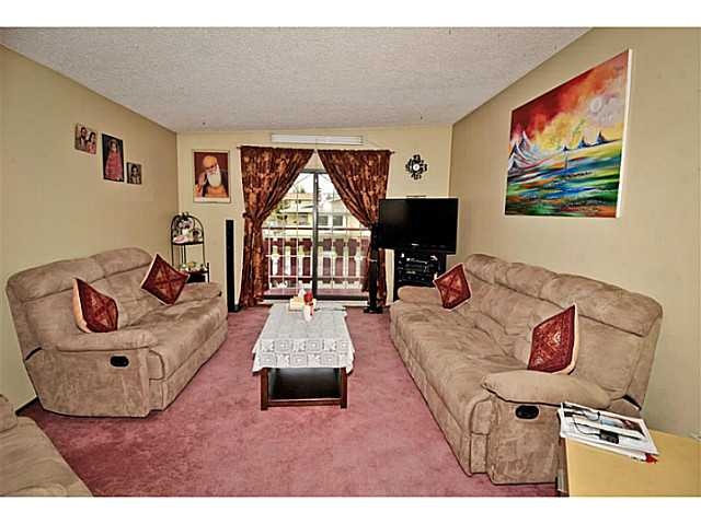 Photo 3: 5221 MARBANK Drive NE in CALGARY: Marlborough Residential Attached for sale (Calgary)  : MLS® # C3617329