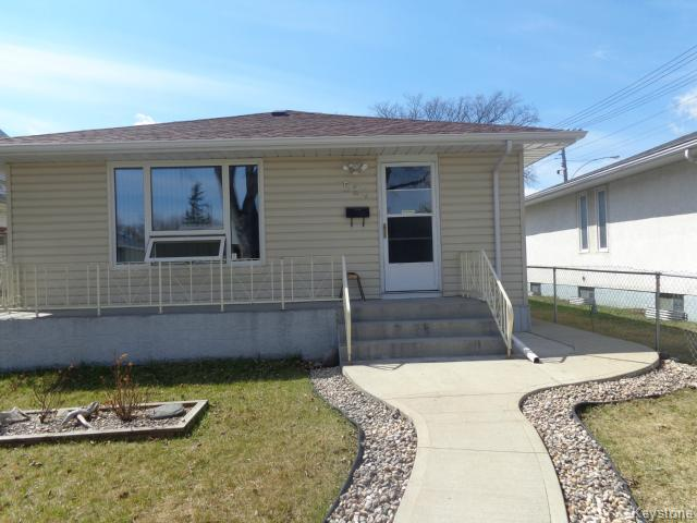 Main Photo: 524 Parkview Street in WINNIPEG: St James Residential for sale (West Winnipeg)  : MLS® # 1510764