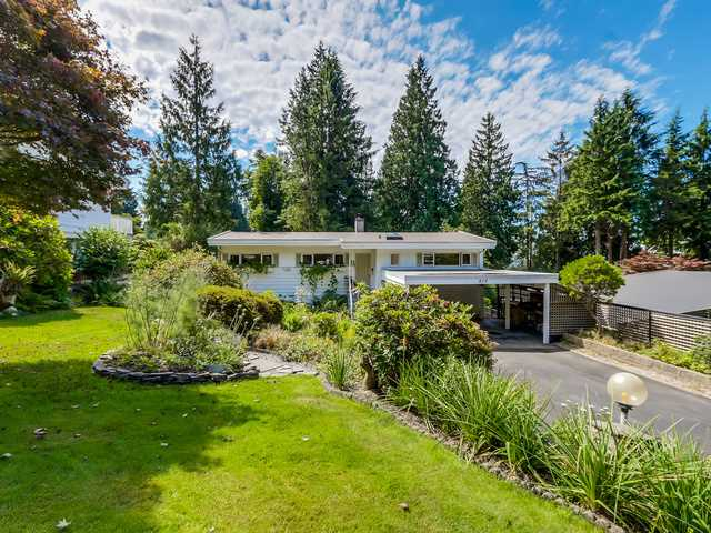 "Main Photo: 819 PROSPECT Avenue in North Vancouver: Canyon Heights NV House for sale in ""Canyon Heights"" : MLS® # V1132527"