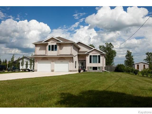 Main Photo: 841 Symington Road South in SPRNGFDRM: Windsor Park / Southdale / Island Lakes Residential for sale (South East Winnipeg)  : MLS(r) # 1520010