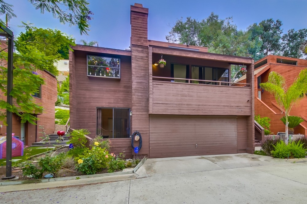 Photo 3: MISSION HILLS House for sale : 4 bedrooms : 3805 DOVE STREET in San Diego