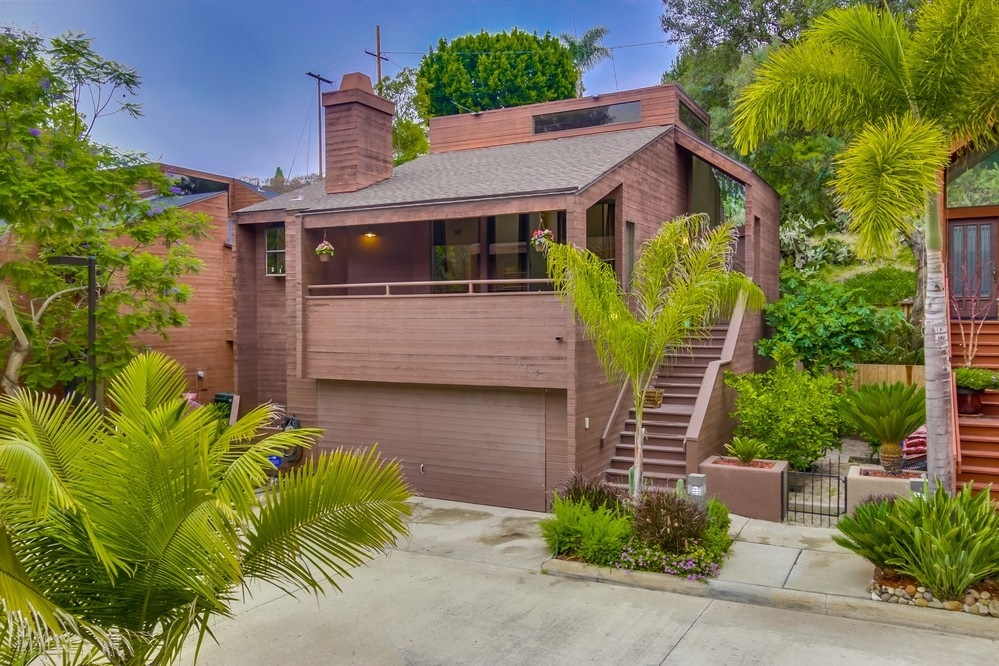 Main Photo: MISSION HILLS House for sale : 4 bedrooms : 3805 DOVE STREET in San Diego