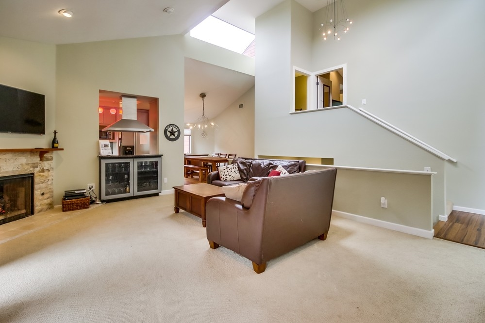 Photo 4: MISSION HILLS House for sale : 4 bedrooms : 3805 DOVE STREET in San Diego