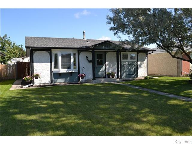 Main Photo: 1819 Manitoba Avenue in WINNIPEG: Maples / Tyndall Park Residential for sale (North West Winnipeg)  : MLS® # 1522642