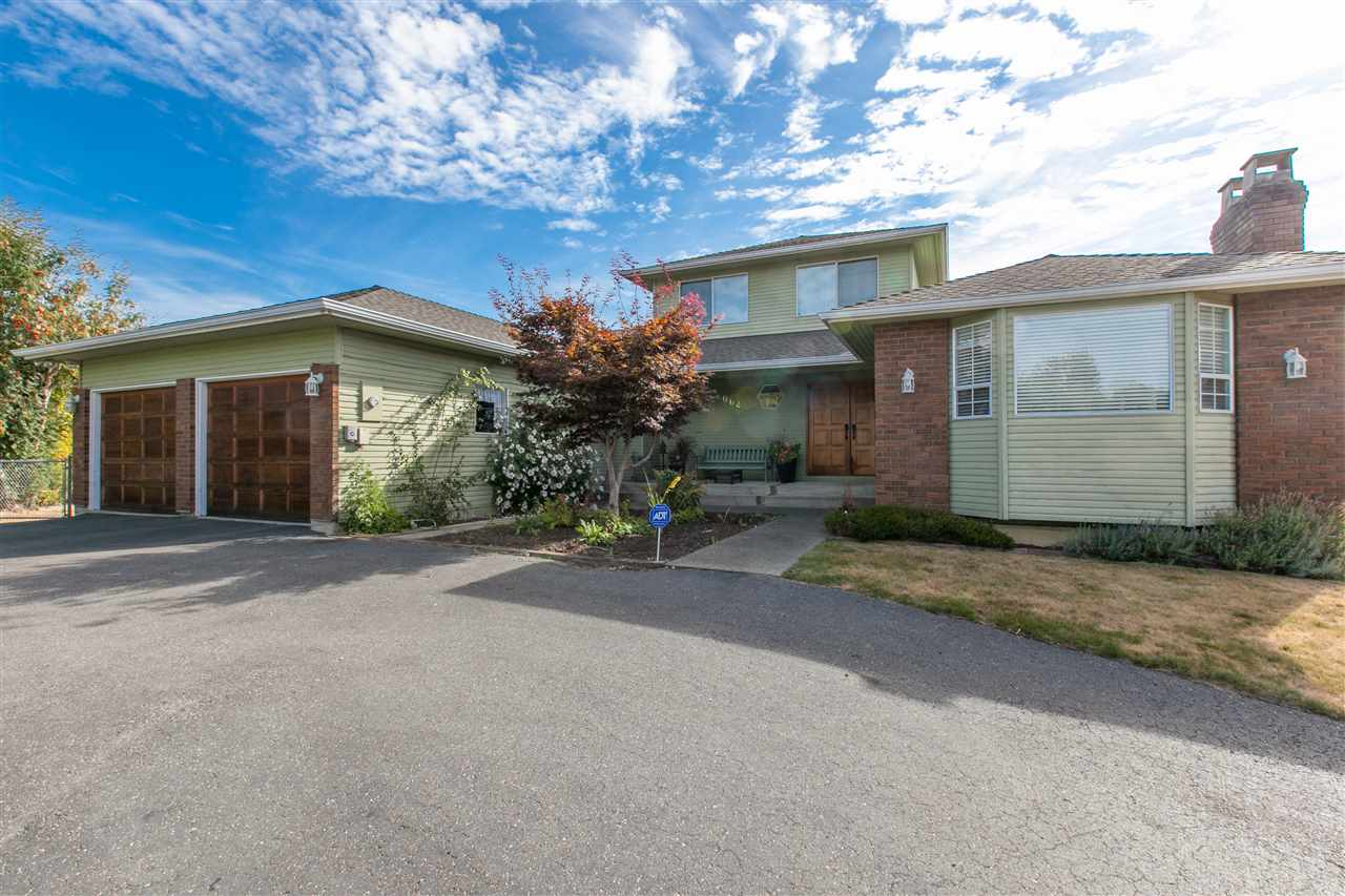 Main Photo: 2064 182 Street in Surrey: Hazelmere House for sale (South Surrey White Rock)  : MLS® # R2020375