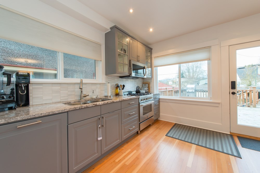 Photo 8: 2779 W 13TH Avenue in Vancouver: Kitsilano House for sale (Vancouver West)  : MLS® # R2032023