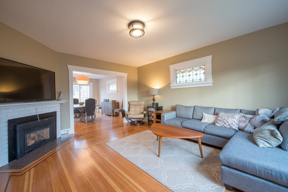 Photo 3: 2779 W 13TH Avenue in Vancouver: Kitsilano House for sale (Vancouver West)  : MLS® # R2032023