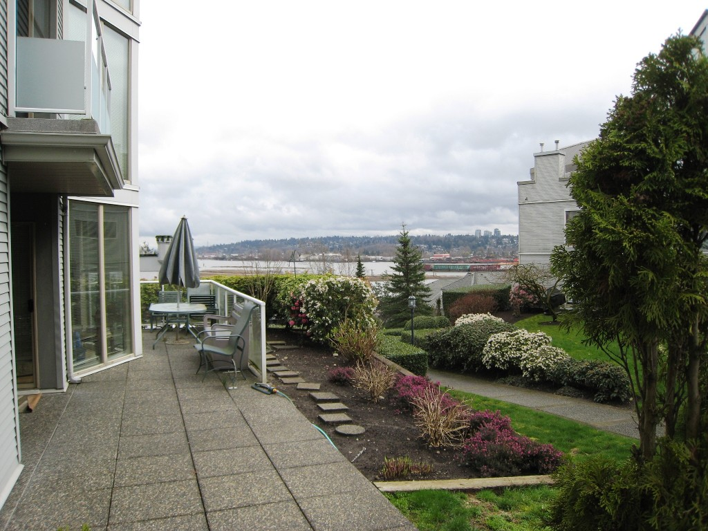 "Photo 16: 105 68 RICHMOND Street in New Westminster: Fraserview NW Condo for sale in ""GATEHOUSE PLACE"" : MLS(r) # R2046449"
