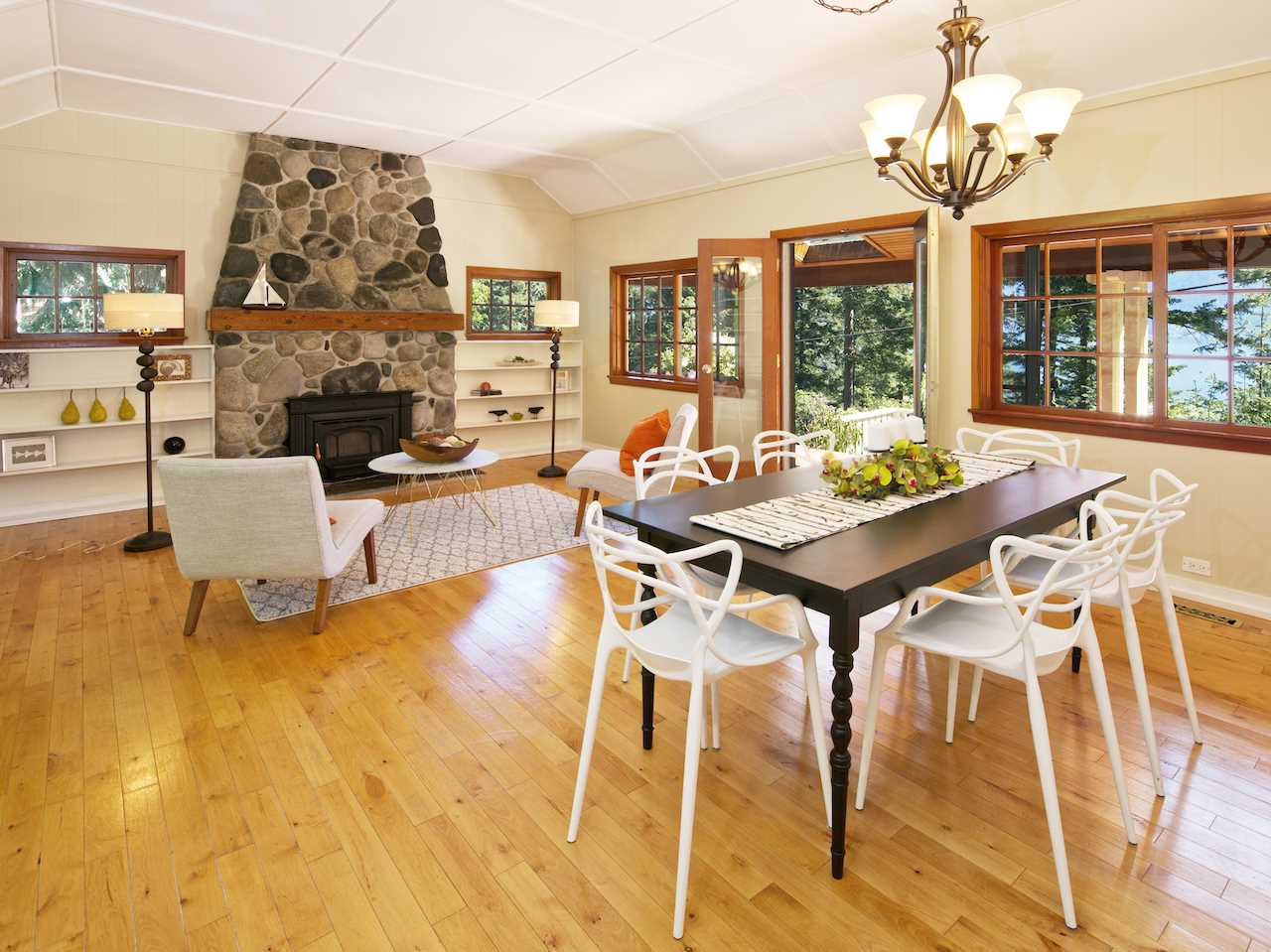 "Photo 2: 1311 OCEANVIEW Road: Bowen Island House for sale in ""Eaglecliff"" : MLS® # R2064668"