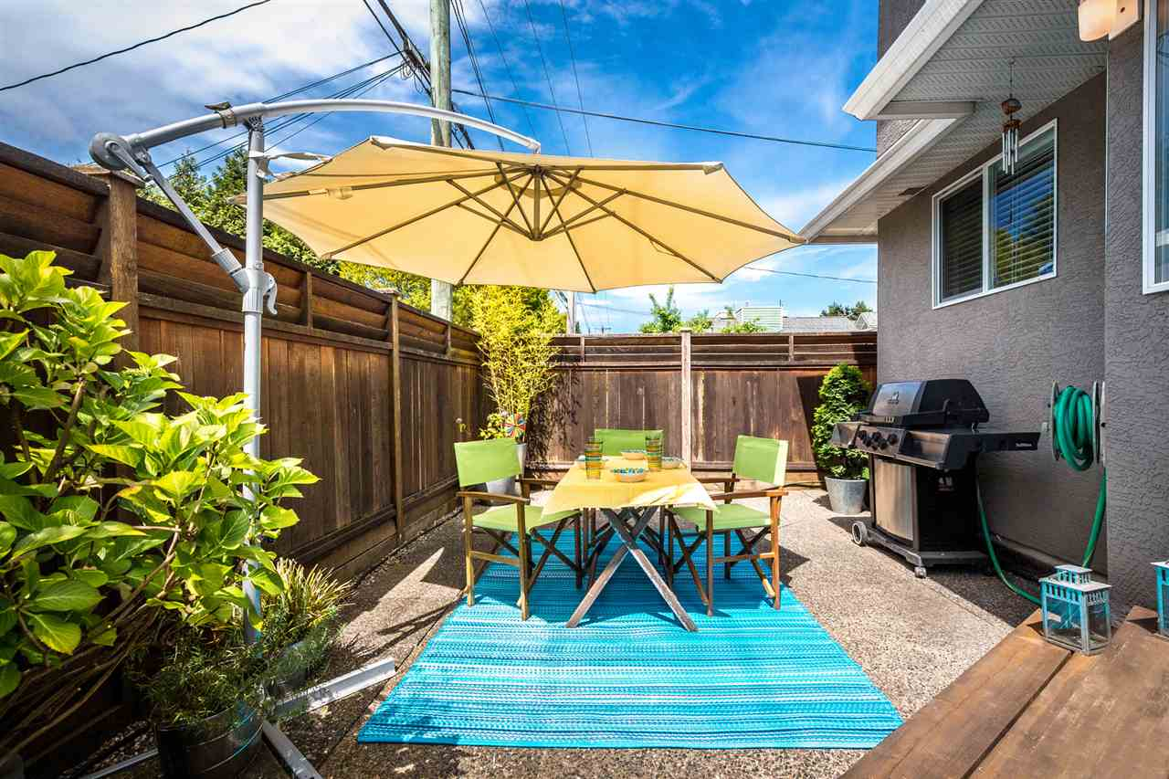 Photo 20: Photos: 9 245 E 5TH Street in North Vancouver: Lower Lonsdale Townhouse for sale : MLS®# R2077821
