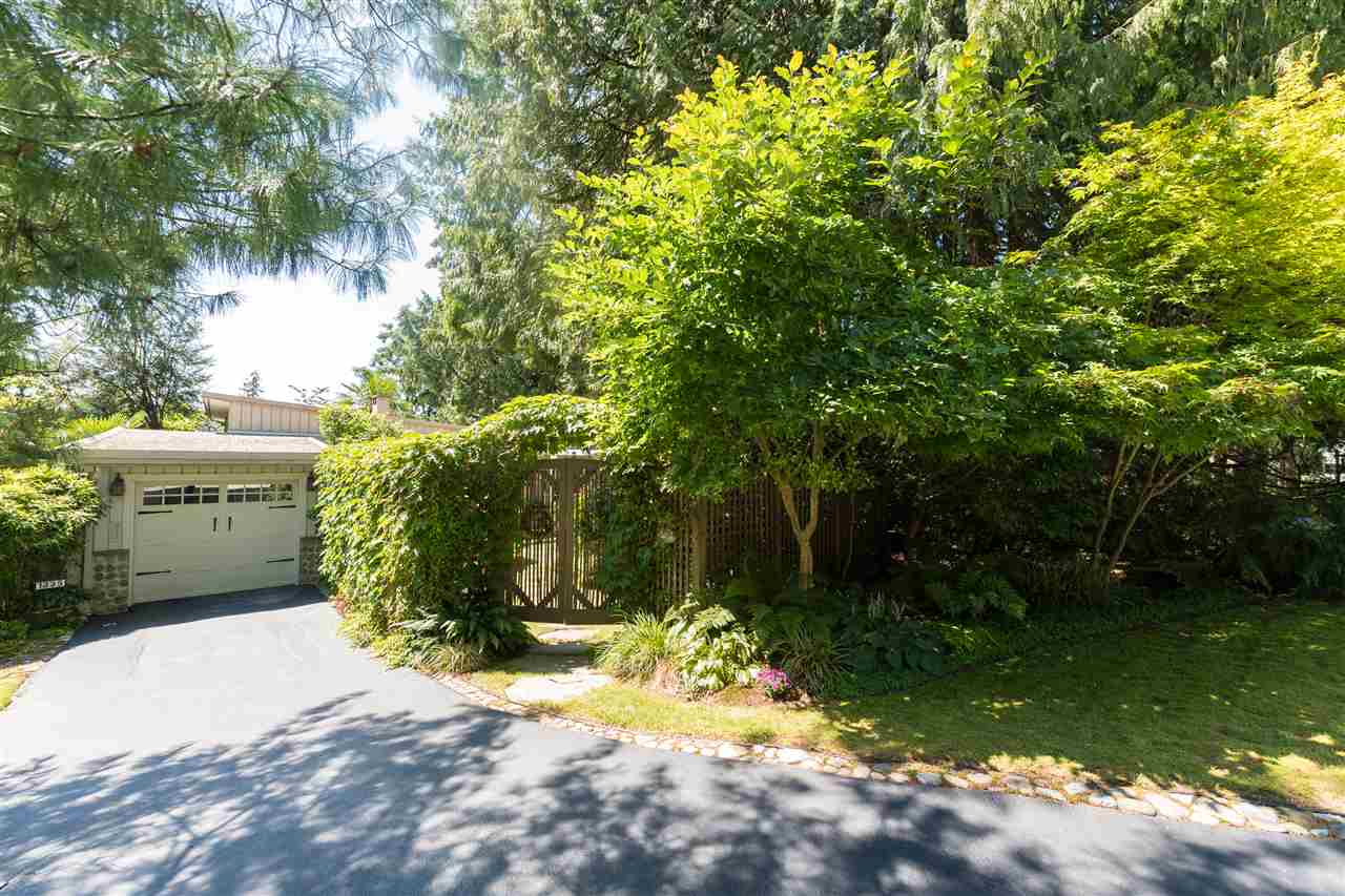 Photo 2: 1335 WELLINGTON Drive in North Vancouver: Lynn Valley House for sale : MLS® # R2096235