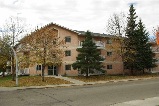 Main Photo: 102 6310 101 Avenue in Edmonton: Zone 19 Condo for sale : MLS(r) # E4054793