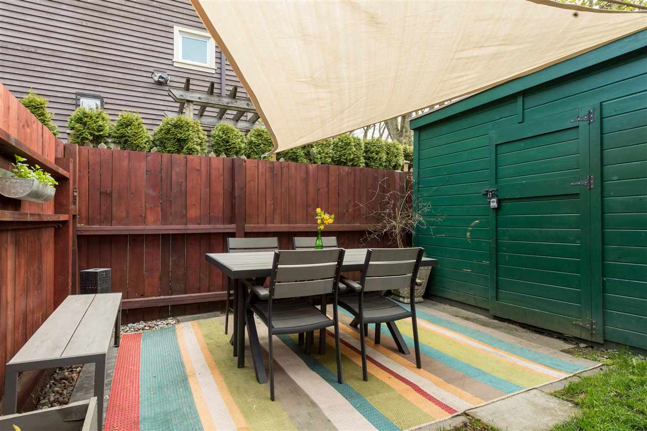 "Photo 19: 1915 E 7TH Avenue in Vancouver: Grandview VE Townhouse for sale in ""COMMERCIAL DRIVE"" (Vancouver East)  : MLS® # R2161216"