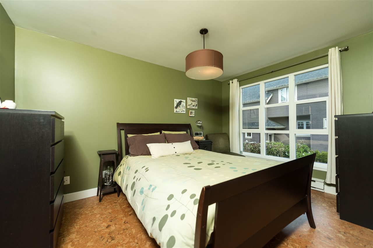 "Photo 11: 1915 E 7TH Avenue in Vancouver: Grandview VE Townhouse for sale in ""COMMERCIAL DRIVE"" (Vancouver East)  : MLS® # R2161216"