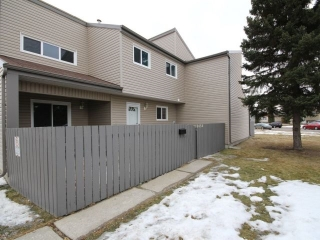 Main Photo: 1656 Lakewood Road W in Edmonton: Zone 29 Townhouse for sale : MLS(r) # E4064477