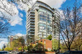 "Main Photo: PHB 139 DRAKE Street in Vancouver: Yaletown Condo for sale in ""CONCORDIA II"" (Vancouver West)  : MLS(r) # R2169422"