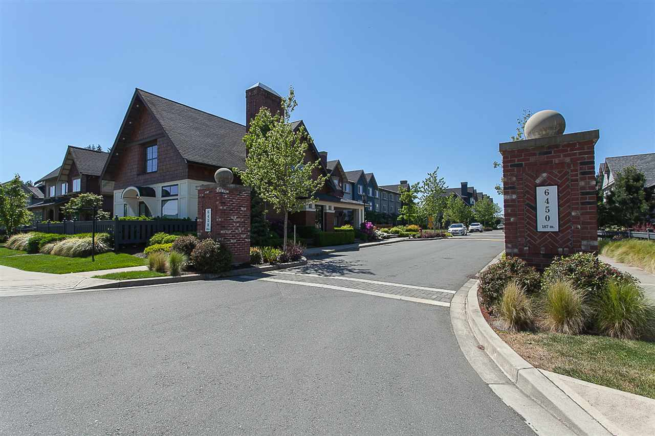 "Photo 3: 8 6450 187 Street in Surrey: Cloverdale BC Townhouse for sale in ""Hillcrest"" (Cloverdale)  : MLS® # R2169832"
