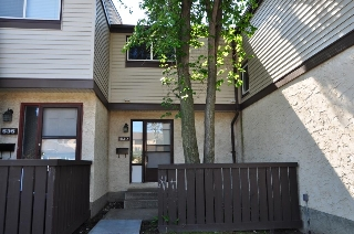 Main Photo: 537 KNOTTWOOD Road W in Edmonton: Zone 29 Townhouse for sale : MLS® # E4066936