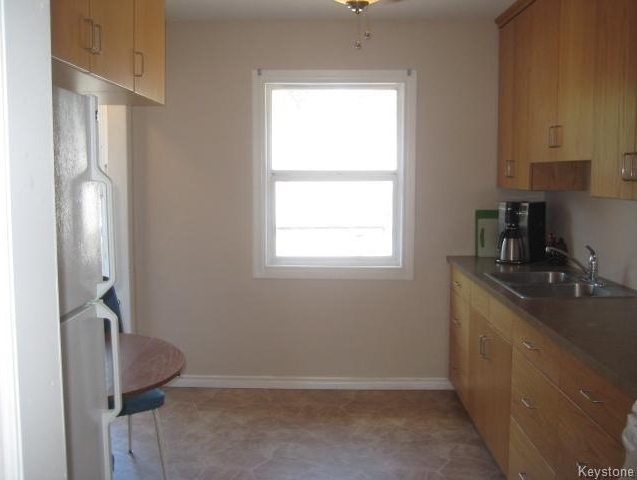 Photo 7: 611 Guilbault Street in Winnipeg: Norwood Residential for sale (2B)  : MLS(r) # 1715631