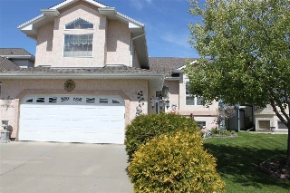 Main Photo: 384 HERITAGE Drive: Sherwood Park House for sale : MLS(r) # E4069213