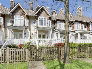 "Main Photo: 8517 JELLICOE Street in Vancouver: Fraserview VE Townhouse for sale in ""Lighthouse"" (Vancouver East)  : MLS(r) # R2178712"
