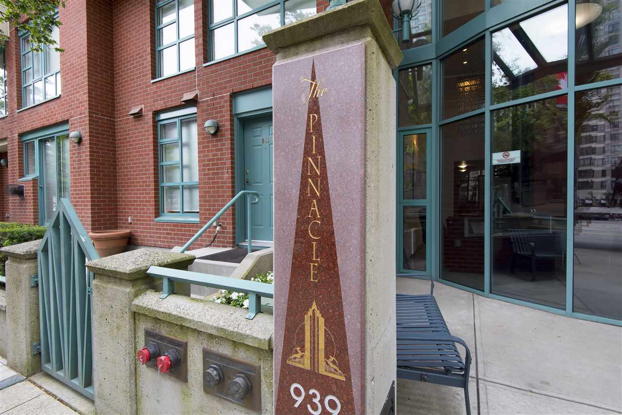 "Photo 19: 2001 939 HOMER Street in Vancouver: Yaletown Condo for sale in ""The Pinnacle"" (Vancouver West)  : MLS(r) # R2179079"