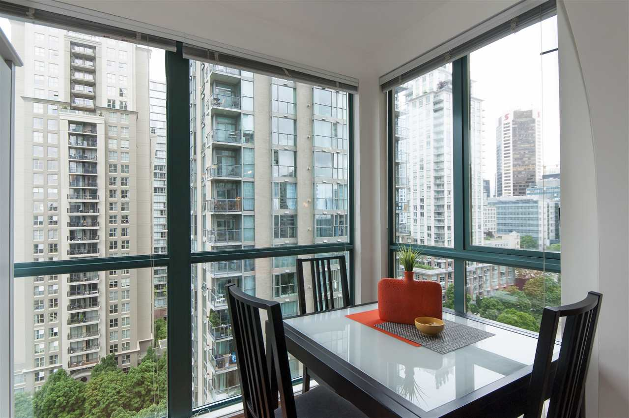 "Photo 12: 2001 939 HOMER Street in Vancouver: Yaletown Condo for sale in ""The Pinnacle"" (Vancouver West)  : MLS(r) # R2179079"