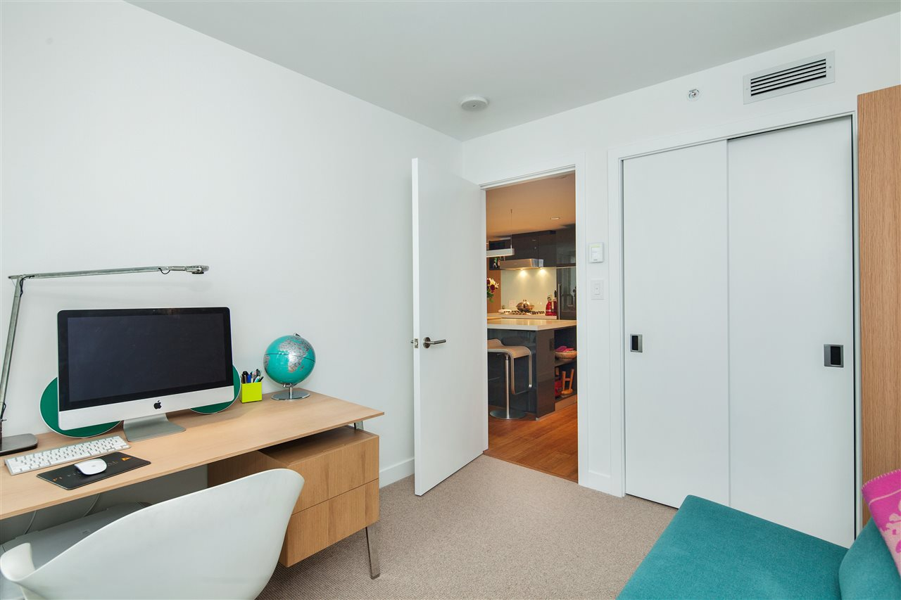 "Photo 10: 710 777 RICHARDS Street in Vancouver: Downtown VW Condo for sale in ""TELUS GARDEN"" (Vancouver West)  : MLS(r) # R2179488"