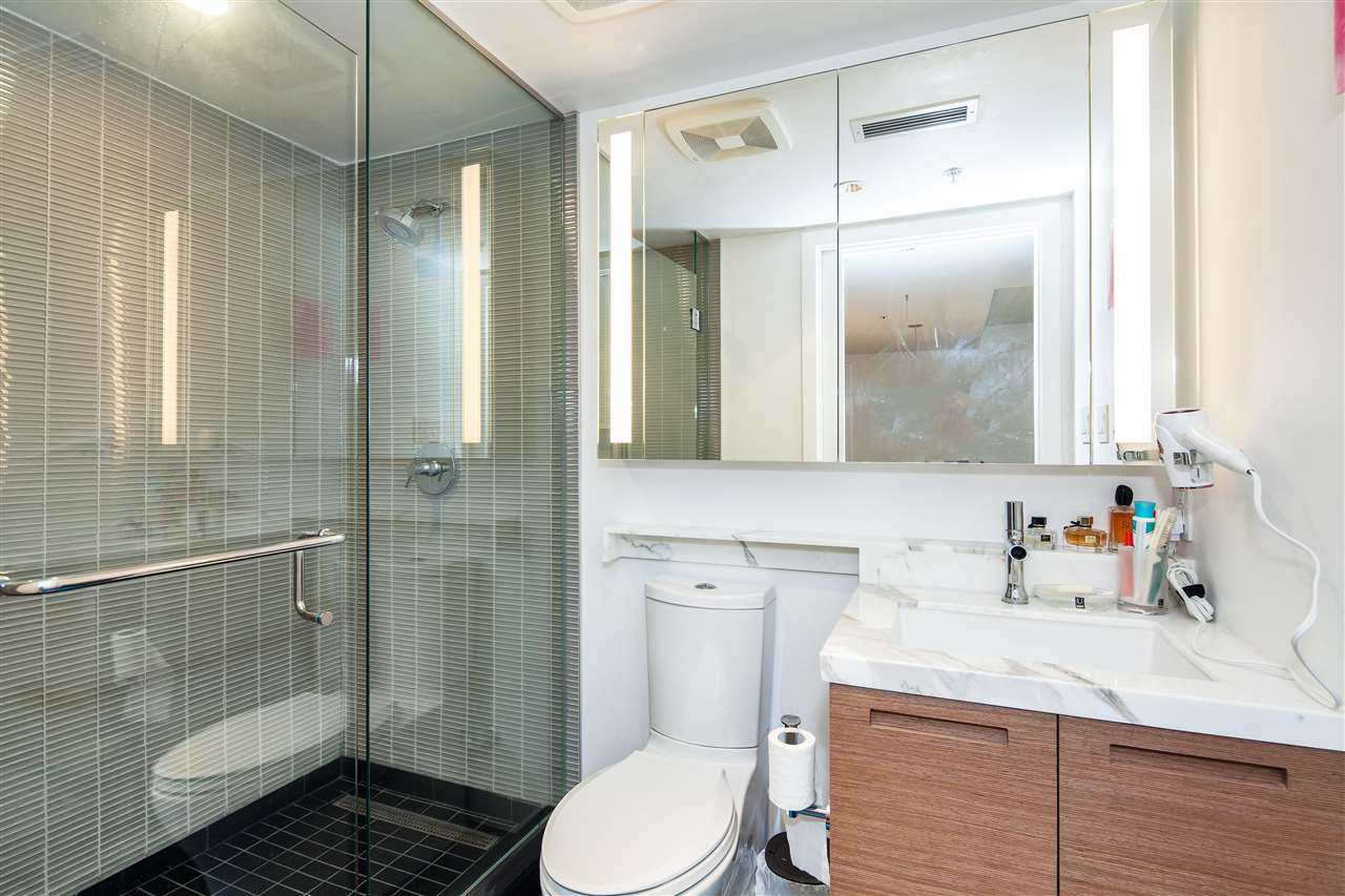 "Photo 11: 710 777 RICHARDS Street in Vancouver: Downtown VW Condo for sale in ""TELUS GARDEN"" (Vancouver West)  : MLS(r) # R2179488"