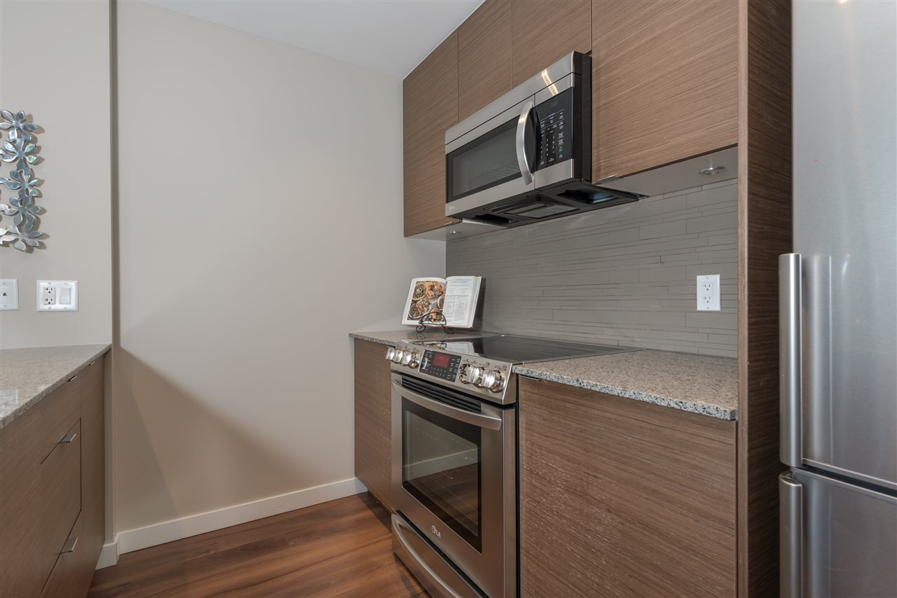 "Photo 9: 1631 EASTERN Avenue in North Vancouver: Central Lonsdale Townhouse for sale in ""Local on Lonsdale"" : MLS® # R2186606"
