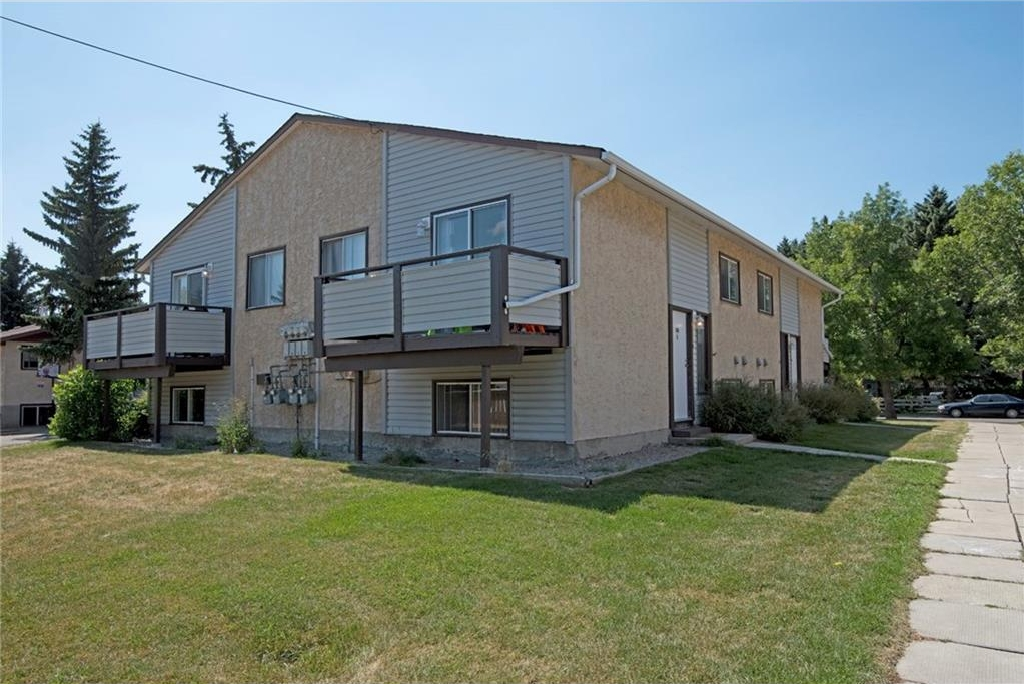 Main Photo: B 100 OAK Avenue: Okotoks House for sale : MLS® # C4130777