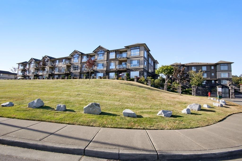 "Main Photo: A118 33755 7TH Avenue in Mission: Mission BC Condo for sale in ""The Mews"" : MLS® # R2201223"